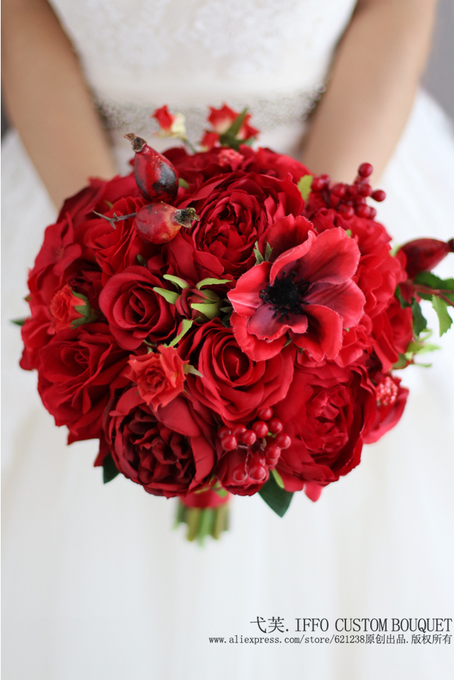 New Red Wedding Bouquet Artificial Rose Flower Berry Holding Bridesmaid Bride Bridal Bouquets Decoration In From
