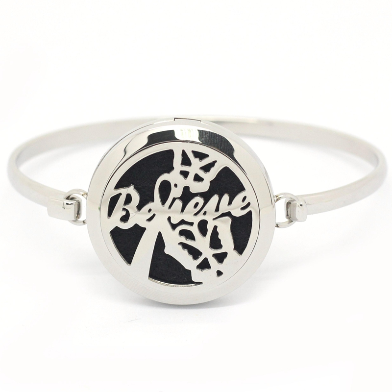 Stainless Steel Inspirational Believe Silver Round Aromatherapy Essential Oil Diffusing locket Bangle Bracelet (free felt pads)
