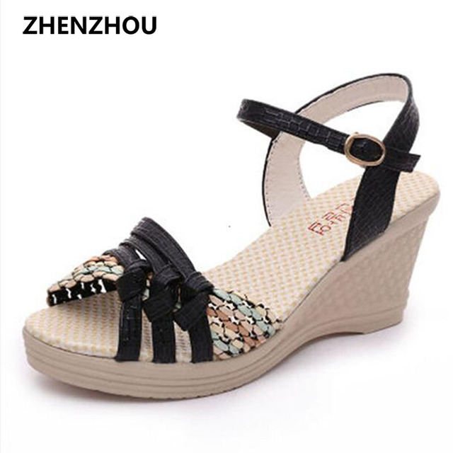 Новый Бесплатная доставка 2017 г. летние женские босоножки на танкетке обувь на платформе с Соломенной Плетеной тесьмой разноцветная с устойчивым каблуком обувь на высоком каблуке