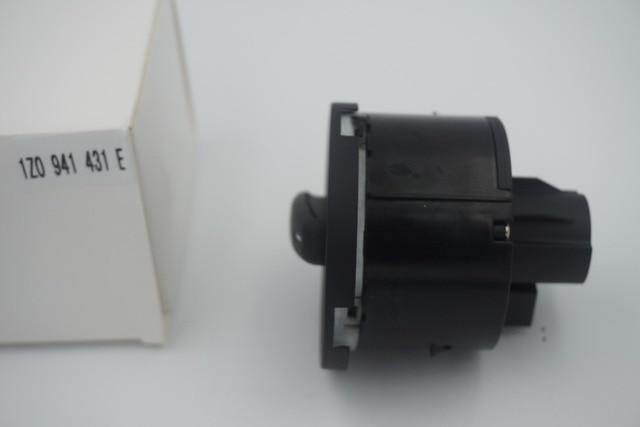 New High Quility Headlight Fog Lamp Control Switch For Skoda Octavia II OE:1Z0 941 431 / 1ZD 941 431E / 1ZD 941 431C GREEN LIGHT