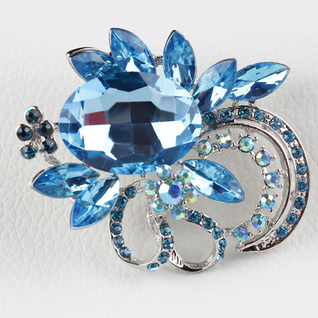 Shinning Crystal Brooches For Women