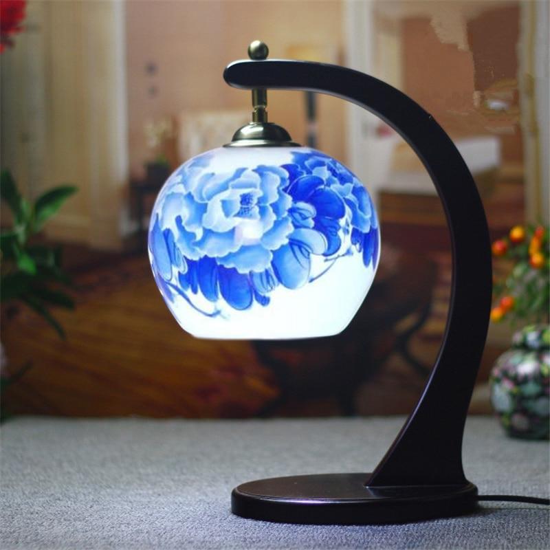 Decorative Floral Porcelain Lampshade Table Lamp Vintage Ceramic Wood Base Living Room Bedroom 110-220V Desk Light TLL-431