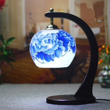 Decorative Floral Porcelain Lampshade Table Lamp Vintage Ceramic Wood Base Living Room Bedroom 110-220V Desk Light TLL-431(China)