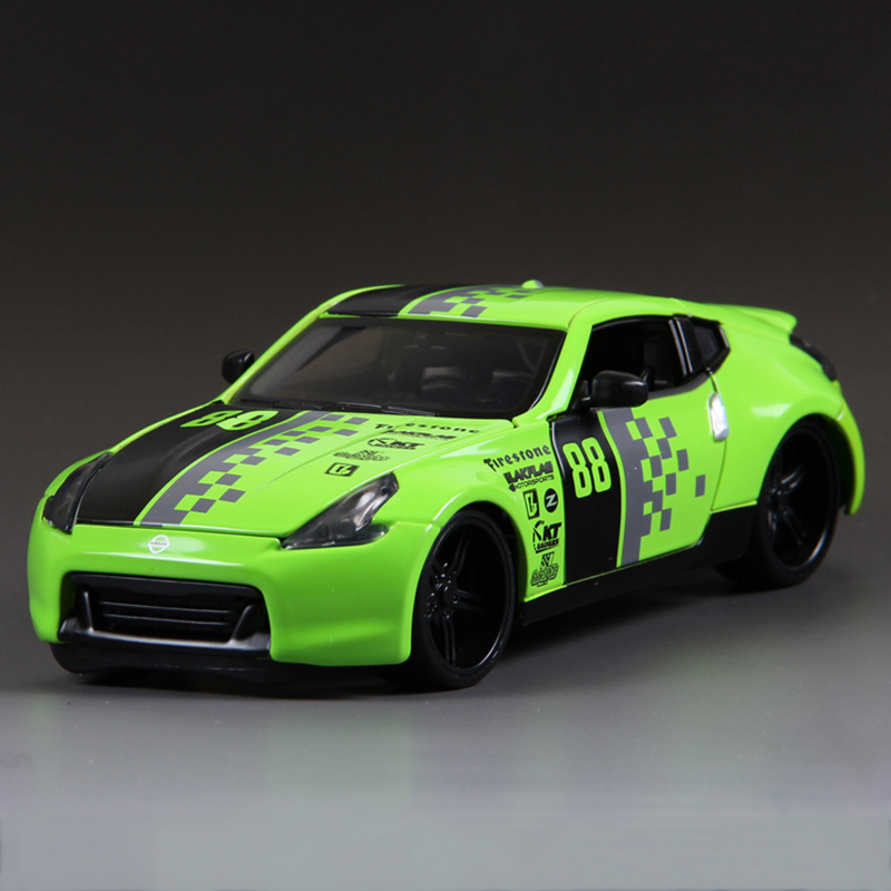 Maitso 1:24 Diecast Model Car 370Z Green 1:24 Alloy Car Metal Racing Vehicle Play Collectible Models Sport Cars toys For Gift