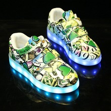 2017 Personality Graffiti USB LED Kid Board Shoes Girls And Boys Causal Colorful Light-Up Children Sport Shoe Size 25-35