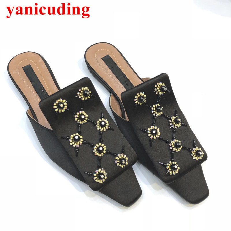 2018 New Shoes Women Flower Decor Square Toe Woman Flats Summer Slides Brand Designer Shoes Slip On Girl Lady Outdoor Shoes