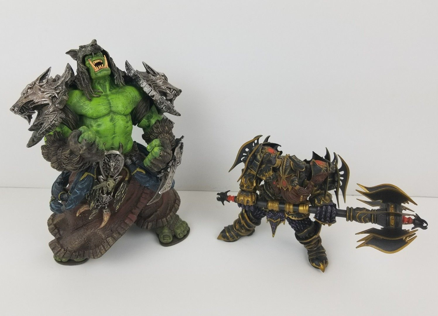 WOW World of War Rehgar Orc + Dwarf Warrior Thargas Anvilmar Figure Lot x2 war of gl aftermath