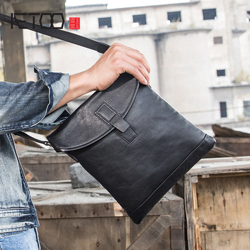 AETOO Men's shoulder crossbody bag, leather postman bag, head-layer cowhide trend men's Bag