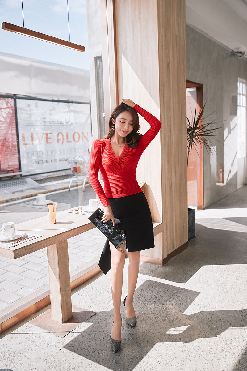 19 New Sexy Deep V Neck Sweater Women's Pullover Casual Slim Bottoming Sweaters Female Elastic Cotton Long Sleeve Tops Femme 19