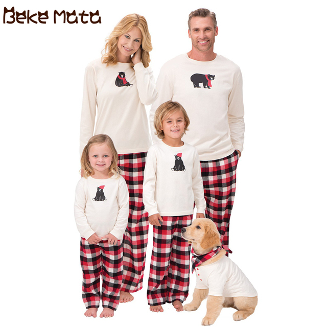 f26389c9b8 BEKE MATA Family Christmas Pajamas Winter 2018 Matching Mother Daughter  Clothes Cotton Bear Print Family Look Father And Son Set
