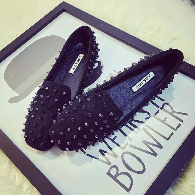 Matte black Loafers Shoes Women's shoes head rivet shallow mouth shoe spikes tide female anti wolf willow