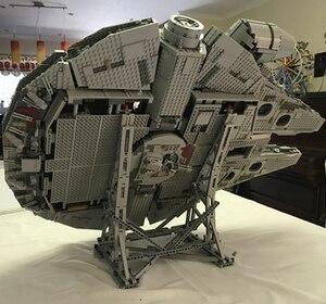 Image 3 - 407pcs כוכב MOC מלחמת המילניום צעצועי פלקון אנכי תצוגת Stand תואם עם 05132 75192 אולטימטיבי אספן של דגם