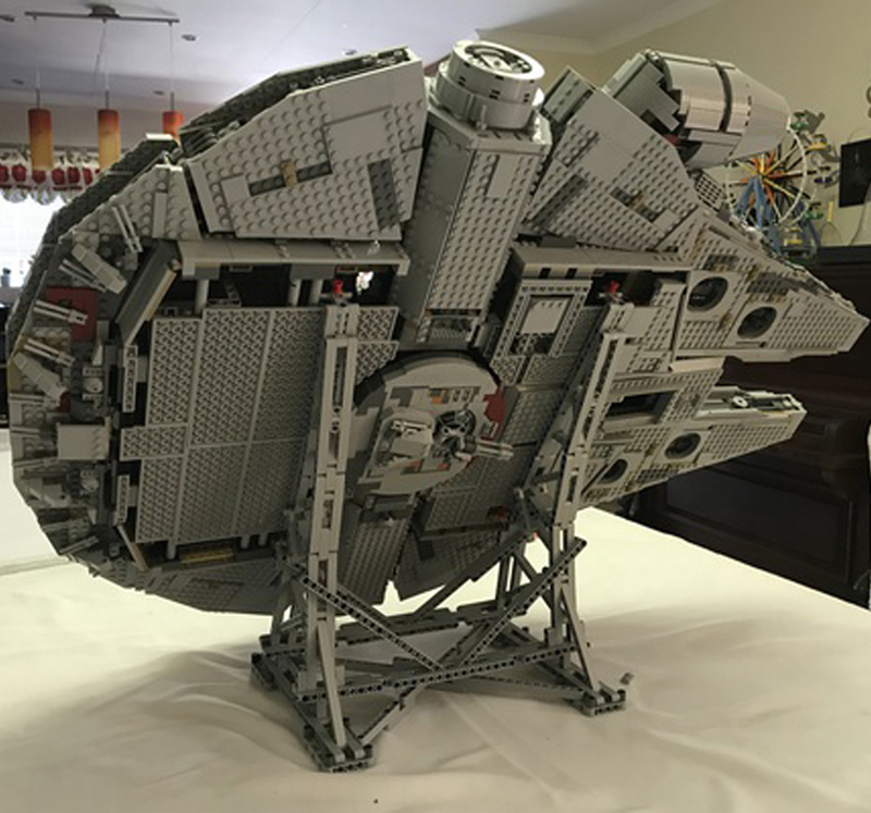 Image 3 - 407pcs Star MOC War Millennium toys Falcon Vertical Display Stand Compatible with 05132 75192 Ultimate Collector's Model-in Blocks from Toys & Hobbies
