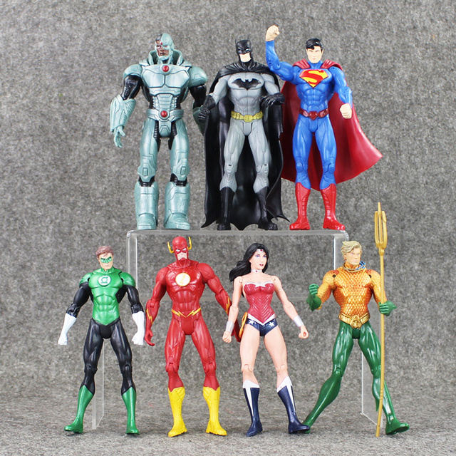 8a71e2dbbc 7pcs/lot Superheroes Justice League Superman Batman Wonder Woman The Flash  Green Lantern Aquaman Cyborg