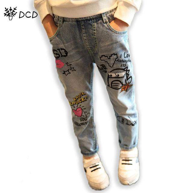 Nova moda casual calça jeans meninas Crianças selvagens graffiti dos desenhos animados pés de lavagem calças Jeans para meninas crianças de alta qualidade denim Jeans