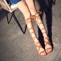 Novo 2017 Mulheres Na Altura Do Joelho Alta Gladiador Sandálias Botas Bandagem Plana Sapatos de Verão Mulher Sandálias Tamanho Grande Plus Size EU34-43