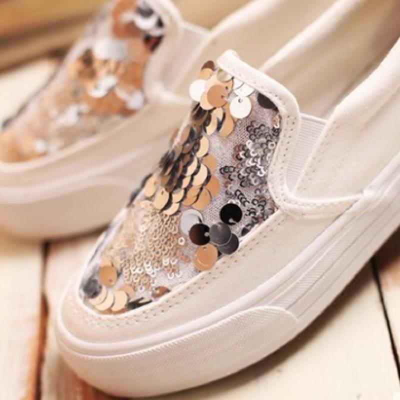 Autumn Fashion Female Casual Sequin Canvas Shoes Breathable Thick Bottom  Slip on Women Shoes Flat Platform Single Women Shoes-in Women s Flats from  Shoes on ... ad7d9b9bb0aa