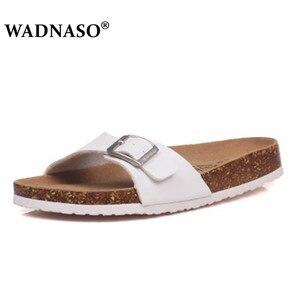 Image 5 - WADNASO sandales pour hommes, pantoufles dété en liège, grande taille 35 45, 2019 nouvelles chaussures de plage, Double boucle imprimée, décontracté diapositives plates, sans lacet