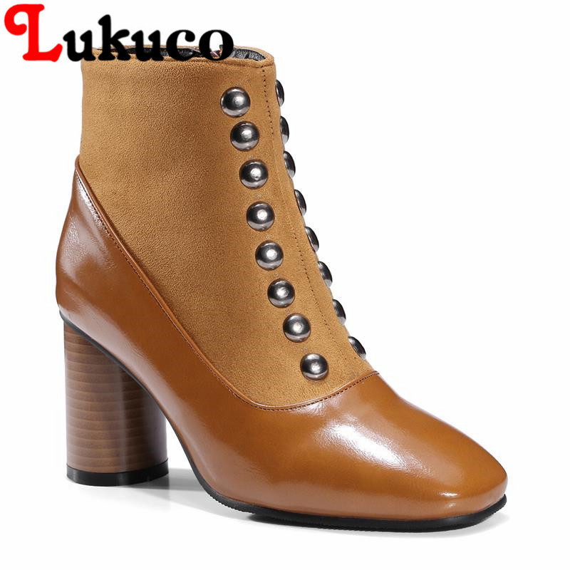 2018 EUR size 37 38 39 40 41 42 43 44 45 46 47 48 Lukuco women ankle boots Rivet design high quality lady shoes free shipping