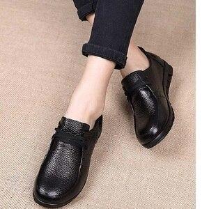 Image 1 - Designer de ballet feminino apartamentos preto mocassins couro genuíno sapatos casuais 2019 novo buty damskie baixo calcanhar chaussure femme