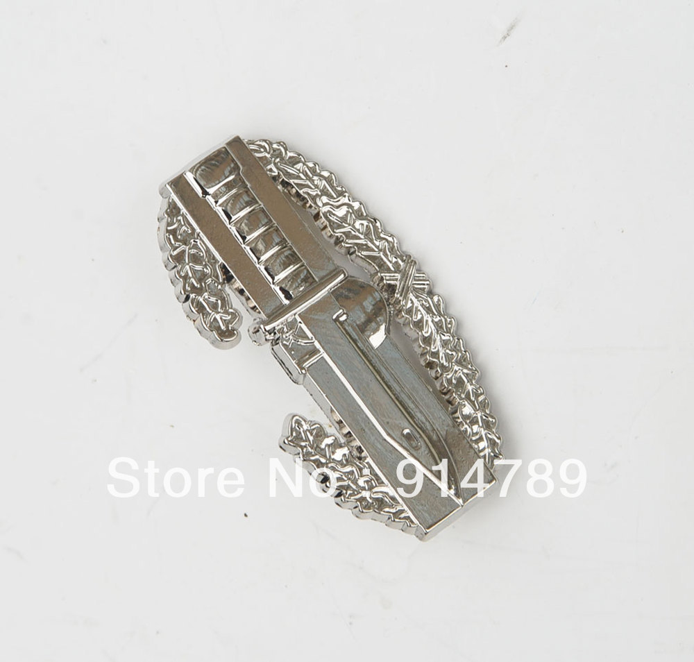 U.S. ARMY MILITARY COMBAT ACTION METAL BADGE PIN KNIFE AND WREATH-33016