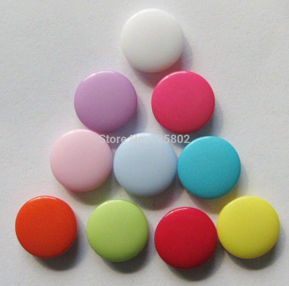 48862f19cf237 O Envio gratuito de 200 pçs lote 12mm de Várias Cores Dot Resina Botões  para Costura Acessórios W0087