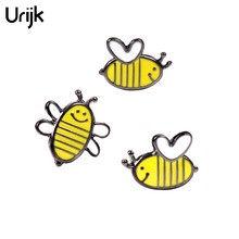 Urijk Lovely Bee Metal Badges Icons On Backpack 2017 New Fashion Decorative Brooches Kids Cute Safety Pins For Clothes Badges(China)