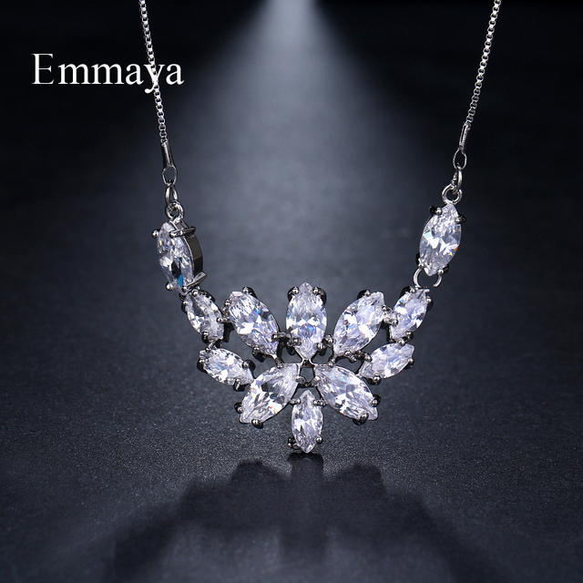 Emmaya Brand Fashion Elegance Charm Flower AAA Zircon Adjustable Lovers Necklaces for Women Popular Jewelry Wedding Party Gift