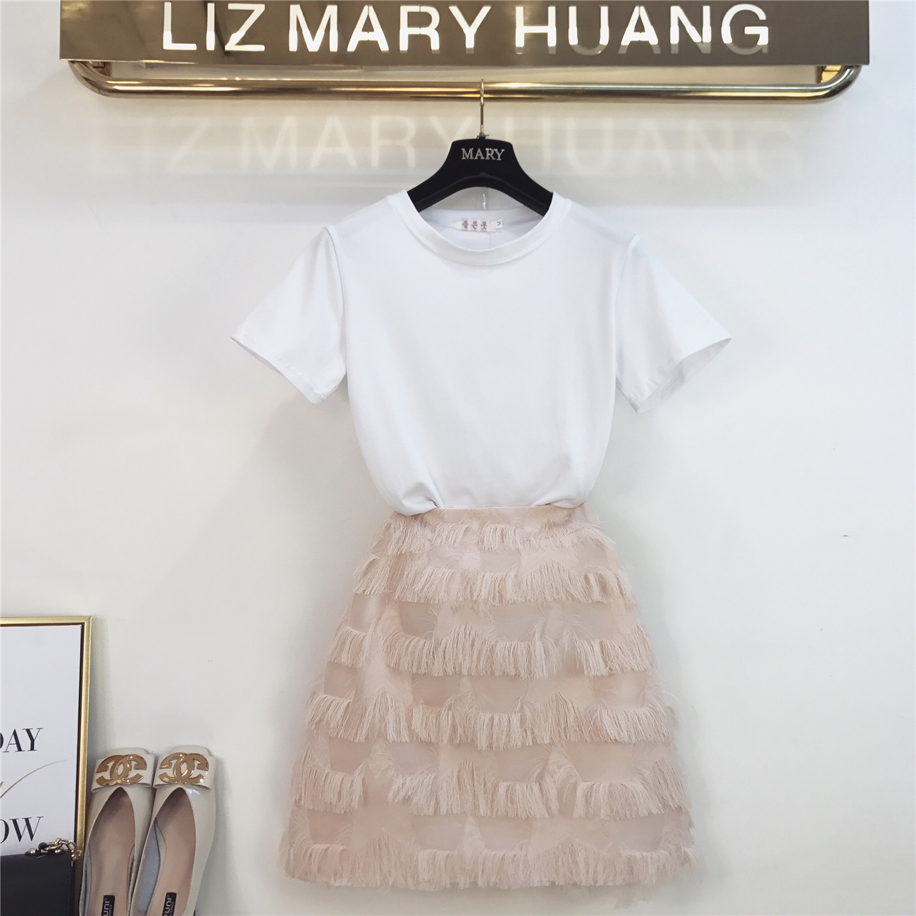 2019 New Summer Fashion Women's Sets Solid White Short Sleeve T-shirts + Short A-line Tassel Skirts Students Suits