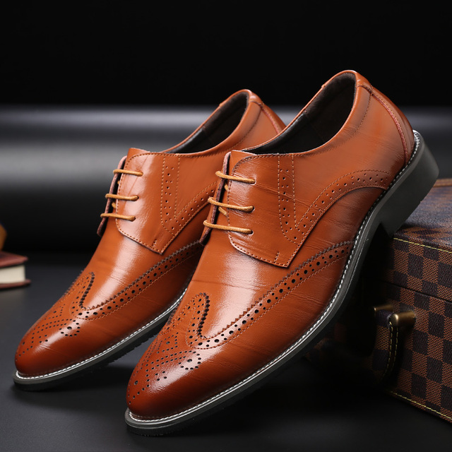 52139ce662 US $24.68 49% OFF|Men Oxford Genuine Leather Dress Shoes Brogue Lace Up  Flats Male Casual Shoes Black Brown Size 38 47-in Men's Casual Shoes from  ...