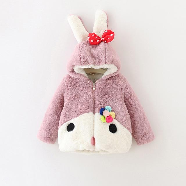 2016 Nuevo Otoño Moda Infantil para Niñas Capa Del Bebé Del Estilo de Dibujos Animados de Conejo Niñas Ropa de Invierno Gruesa Tops Niños Prendas de Abrigo