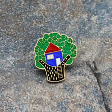 Cartoon Tree House Black metal Enamel BroochΠn Childish pin button denim jacket pin badge jewelry Gift for children(China)