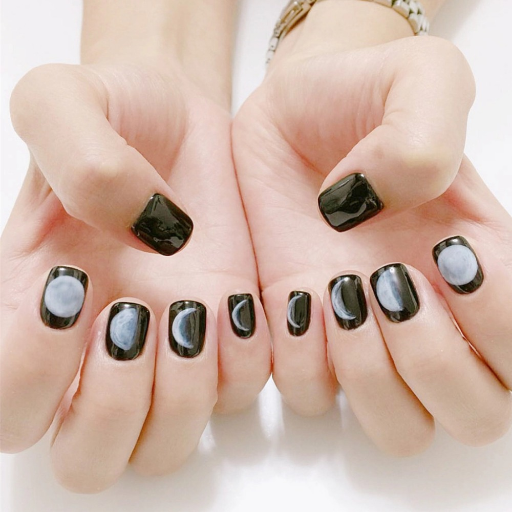 24Pcs Short Fake Nails Black Moon Lunar Eclipse Square Artificial Nail Tips with Glue Sticker Faux Ongle for Office Home Party