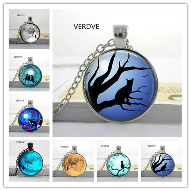 Free Shipping 2017 new Glass Cabochon Round Blue Moon and Glass Necklaces Cat Ga