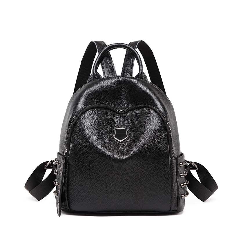 New Korean version of the leather rivets fashion shoulder bag Black classical version of the leather rivets soft skin bag new korean version of the first layer of leather pillow bag large lychee pattern handbag shoulder messenger fashion leather leat