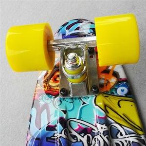 Image 3 - Colorido 22 Polegada completo placa de banana Com Cor misturada padrão para a Menina e menino para Desfrutar do skate Mini foguete placa