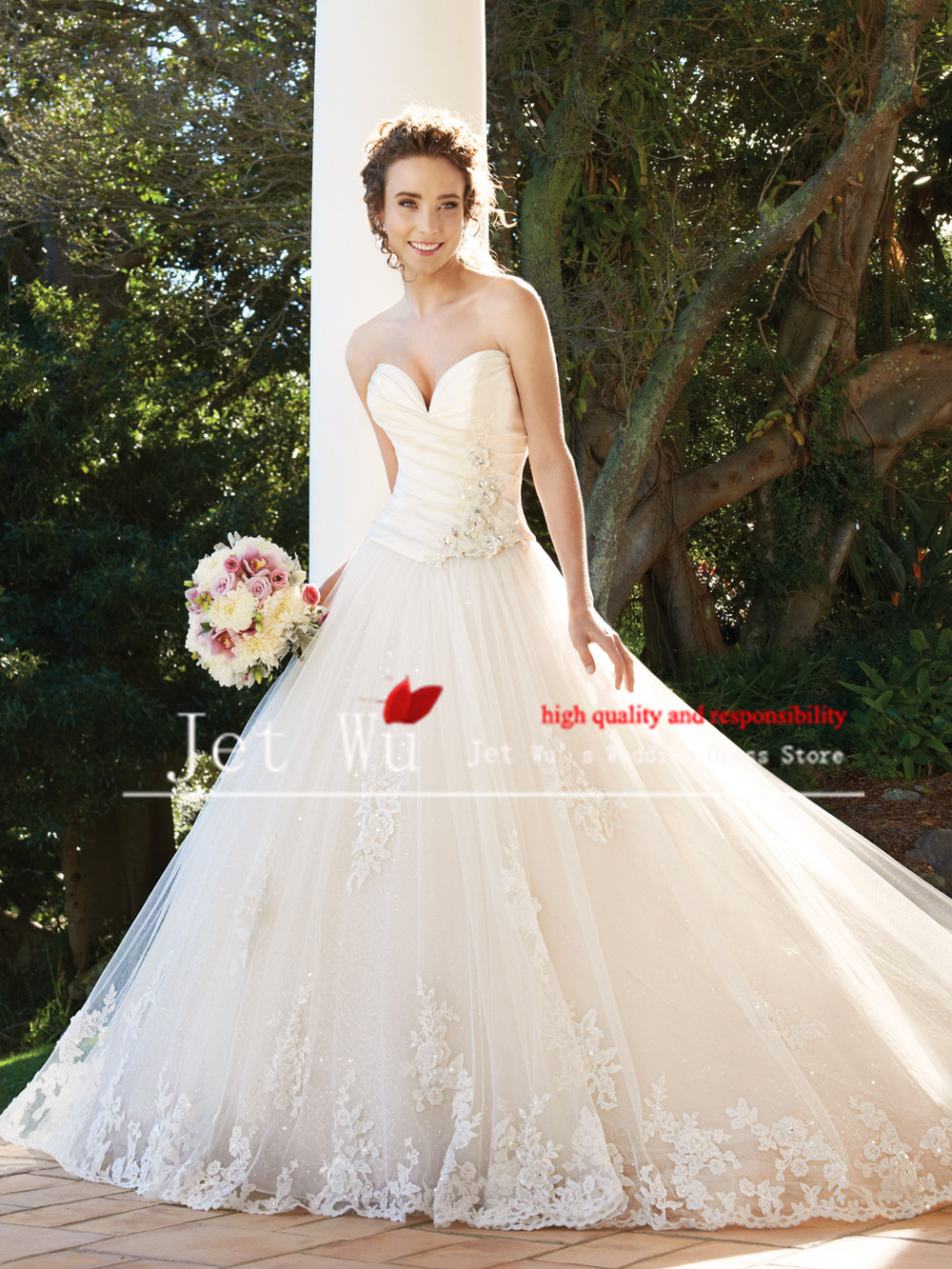 2013 New Beautiful Puffy Skirt Wedding Dresses Appliques