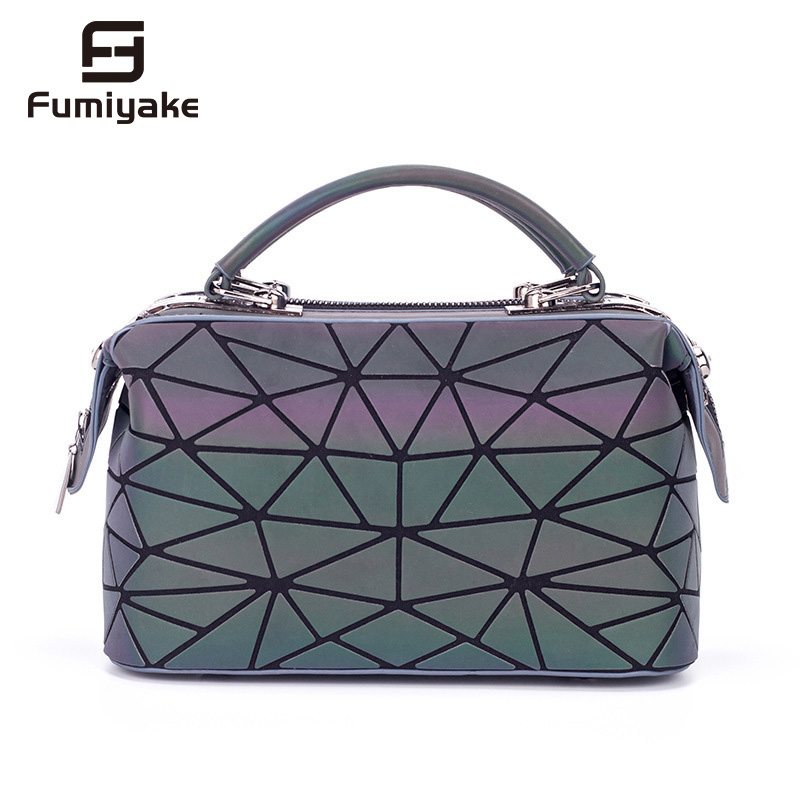 2018 Fashion Bag Women Luminous sac Hologram Bag Tote Geometry Quilted Shoulder Bags Saser Plain Folding