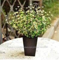 シルク蘭で木製花瓶