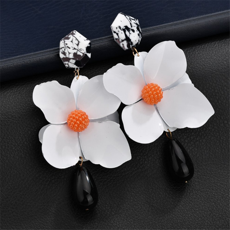 WWLB New Hyperbole Color Flower Earrings For Women Plant Resin Korean Style Small Fresh Earrings Charm Elegant Sweet Brinco in Drop Earrings from Jewelry Accessories
