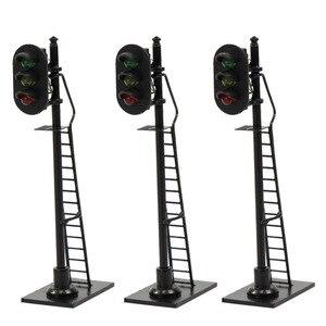 Image 2 - 3 pcs 모델 철도 1: 87 빨간색 노란색 녹색 블록 신호 교통 신호 호 규모 6.3 cm 신호등 사다리와 검은 게시물
