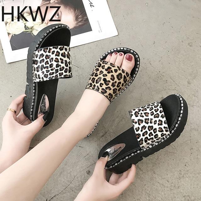 Women's Leopard Slippers Women's Wear 2019 New Casual Comfort Thick Sling Flat Words Joker Fashion Beach Holiday Sandals H0134