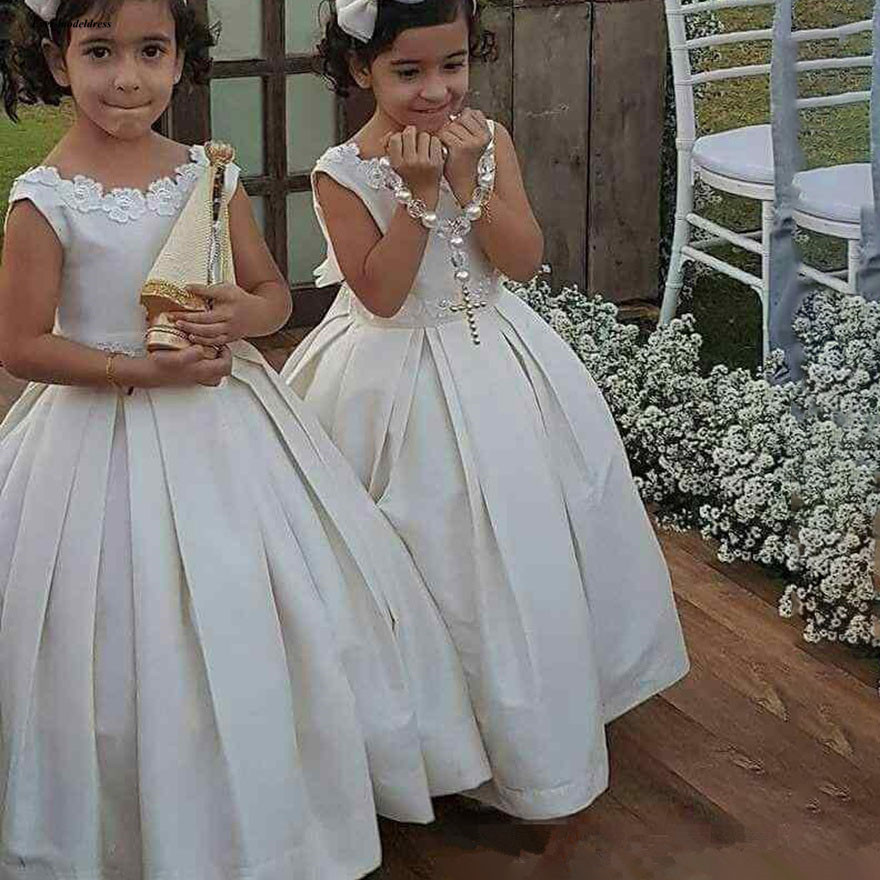 Lovely Flower Girls Dresses 2019 Ball Gown O Neck Appliques Sleeveless Floor Length Birthday Party Gowns Cheap Customized