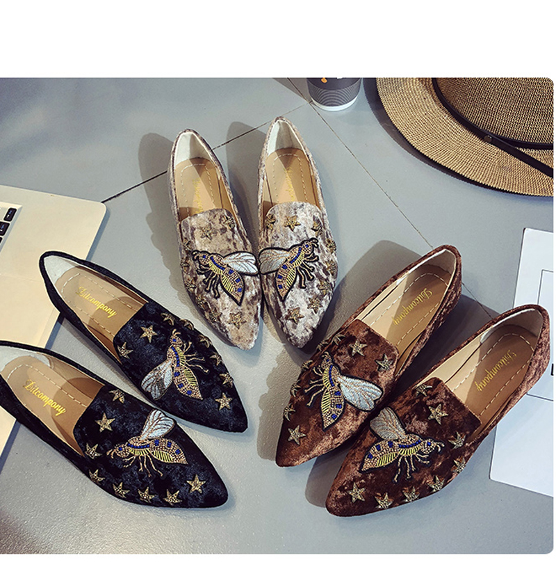 2018 spring summer women Flat shoes suede embroidered animal shoes woman slip on point toe loafers rivets fashion ladies Shoes 1
