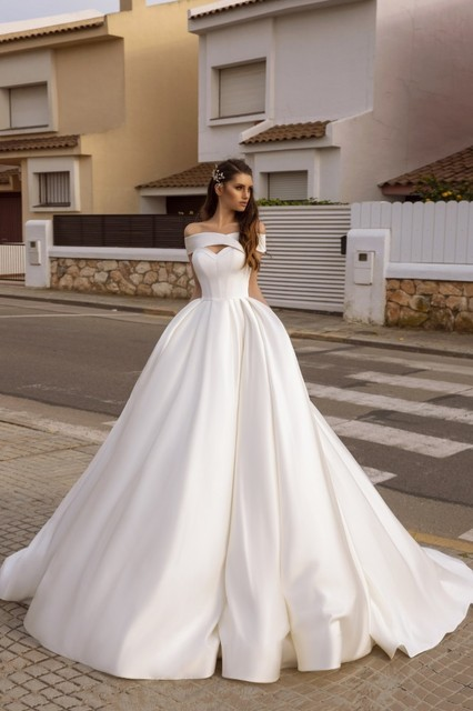 Vivians Bridal Vintage Court Train Satin Wedding Dress Sexy Criss cross Off Shoulder Back Zipper Hollow Out Pocket Bridal Dress