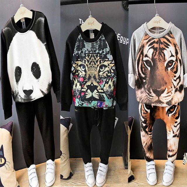 2016 New Arrivals Crianças Terno T-Shirt e Calças de Manga Longa 2 PCS Kit Tigre Camisola Moletom Com Capuz Menino Dos Desenhos Animados Menina Ternos Animais leopardo