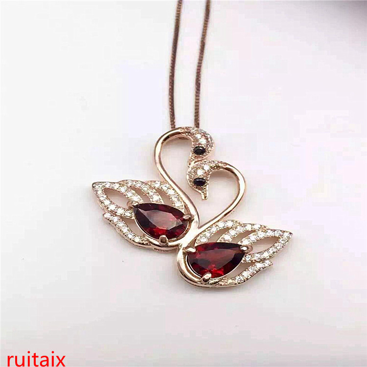 KJJEAXCMY boutique jewels 925 pure silver inlaid with gold jewelry natural garnet small goose pendant jewelry necklace.