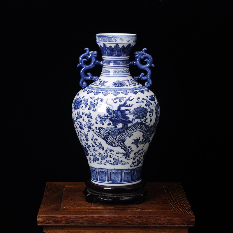 Jingdezhen ceramics porcelain dragon ears antique vase modern fashion crafts furniture decoration decorationJingdezhen ceramics porcelain dragon ears antique vase modern fashion crafts furniture decoration decoration