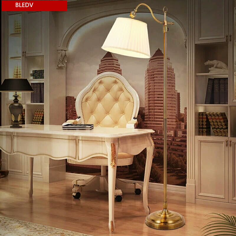American Village Retro Floor Lamp Creative LED Bedroom Light Modern Living Room Vertical Light Iron Industrial Wind Floor Lamp