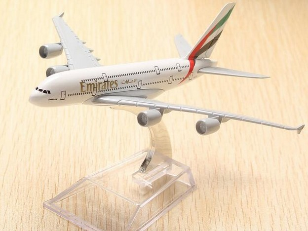 20CM plane model Boeing 380 emirates airline aircraft A380 Metal Solid simulation airpla ...